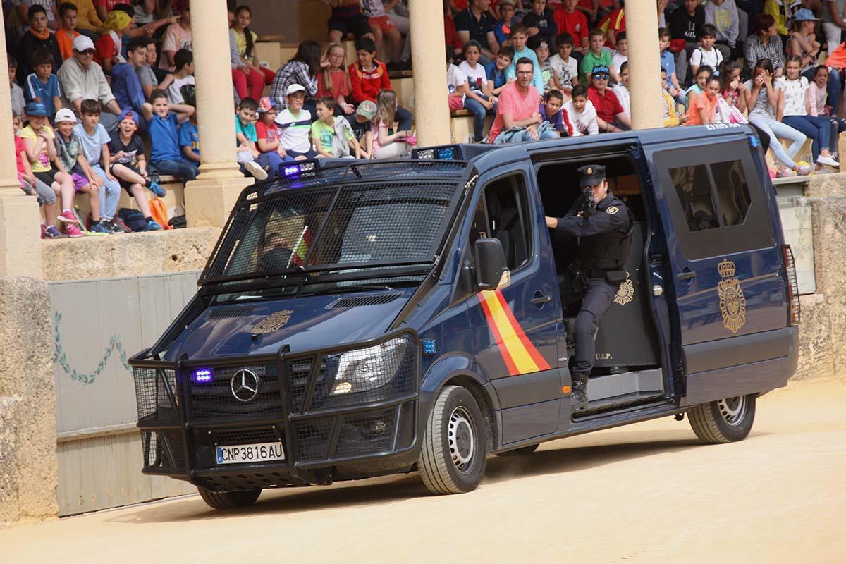 75-policia-2